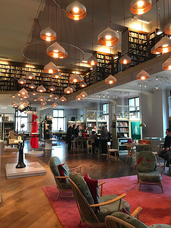 cafe working - the wellcome collection reading room