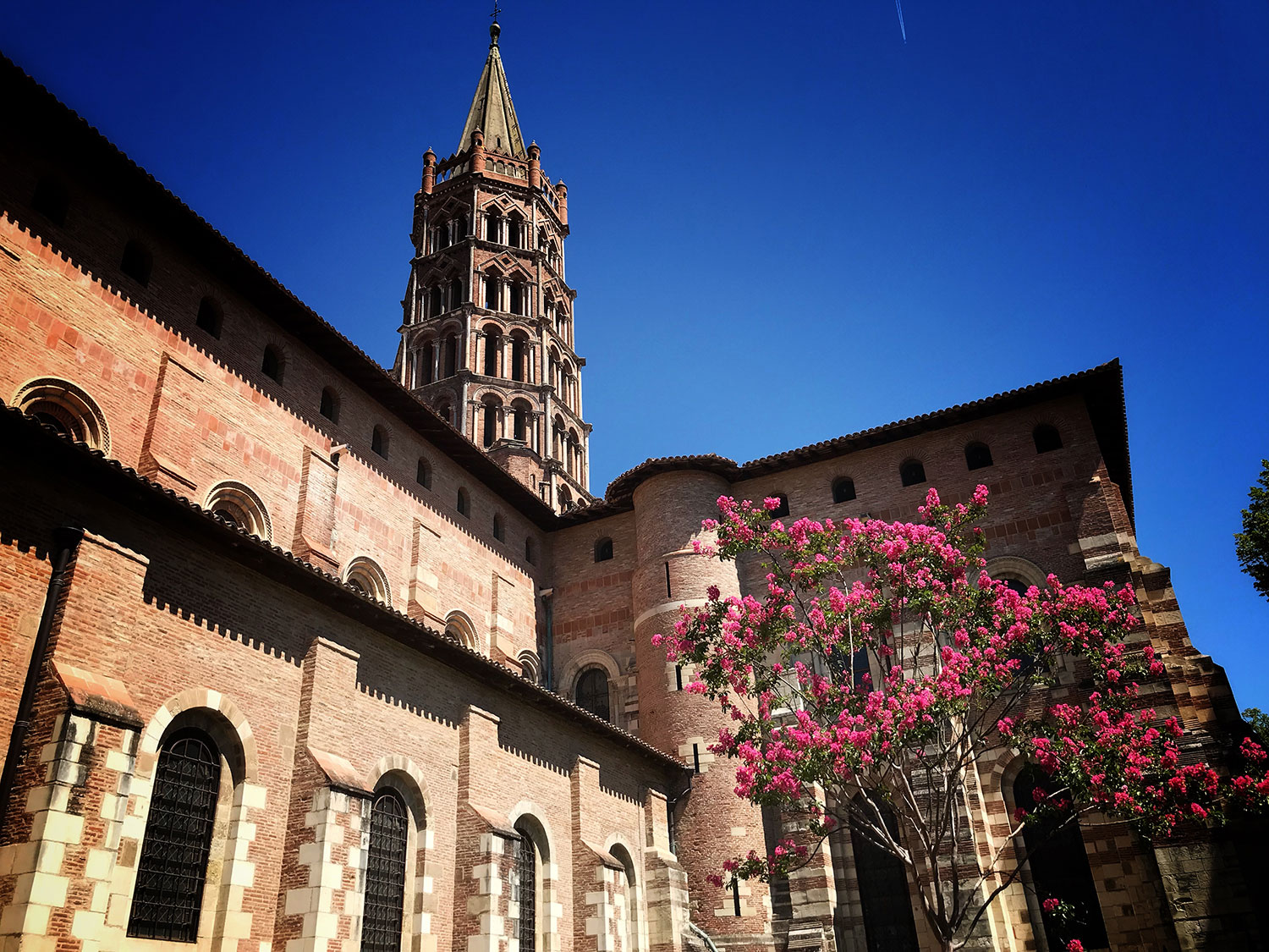 5 reasons to visit toulouse - bricks